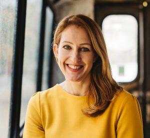 Katharina Krentz bei Besser Online 2021. Auf dem Foto posiert sie posiert während der Veranstaltung Mission M der Baden Württemberg Stiftung im November 2020 in den Wagenhallen Stuttgart.